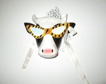 Vendor Pelzman Cow - Vintage 80's Ceramic Wall Plaque Decoration - Cool Cow with Sunglasses Netting and Bow Retro