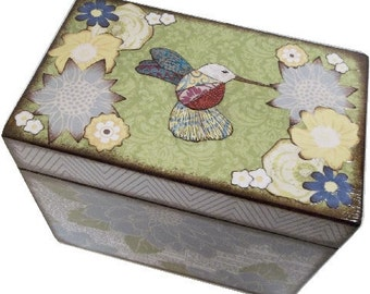 Recipe Box, Personalized, Couples Gift, Bridal Shower, Bridal Gift, Decorative Box, Hummingbirds, Holds 5x7 Cards, MADE TO ORDER