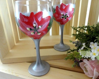 Christmas Wine Glasses - Christmas Gifts - Painted Wine Glasses - Christmas Gift Idea - Holiday Party - Set of 2 - Hand Painted - Present