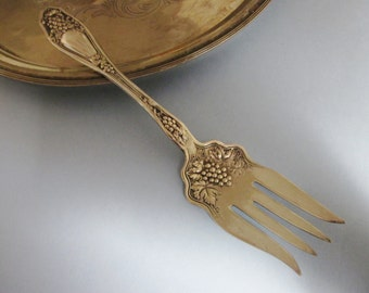 Vintage Silverplate Serving Fork Wm Rogers Isabella/Grape Pattern