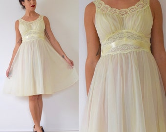 SUMMER SALE/ 30% off Vintage 50s 60s Baby Yellow Lace Nightgown (size small, medium)