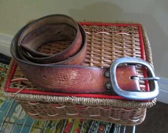 Cowboy belt 70s Cowgirl belt Vine and flower tooled belt 70s Brass buckle brown leather belt vintage 38 M