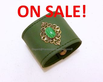 Malachite Wrist Band Cuff - Green Leather (JWL131)