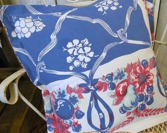 Patriotic Pillow sham Vintage tablecloth Retro Farmhouse Summer Porch Red White Bluel RDT ECS FVGteam