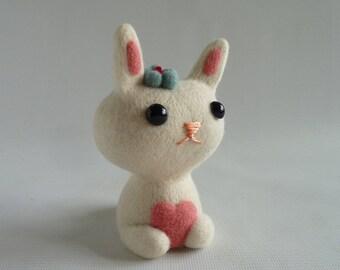 Needle felted bunny, 'Bunty' OOAK, ex-pattern model by Gretel Parker as seen in 'Craftseller' magazine