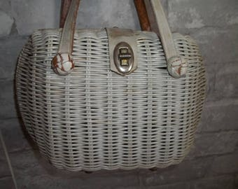 Vintage White Straw Purse ~ Wicker Purse ~ Vintage Handbag