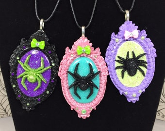 Glitter Spider Cameo Frame Necklace