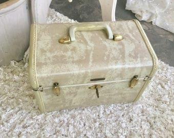 White Samsonite Travel Luggage Suitcase