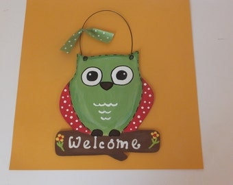 Owl Welcome Wall Hanging - Green