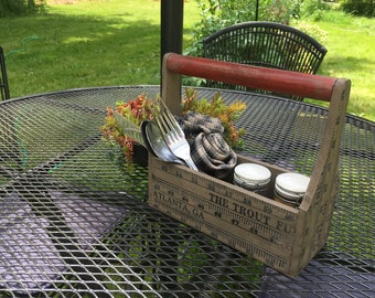 Vintage-Style Ruler Caddy