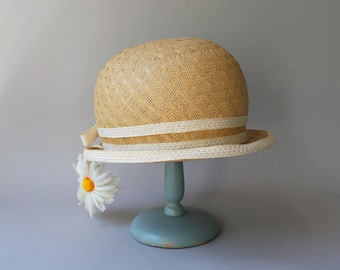1960s Hat / Vintage 60s Mr. John Hat / Sixties Flower Power Straw Daisy Hat