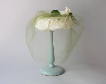 1950s Hat / Vintage 50s Hat / 1950s White Rose Veiled Hat