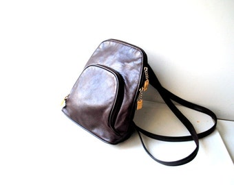 Classy vintage 90s dark chocolate brown genuine leather backpack. Made by Hillard and Hanson.
