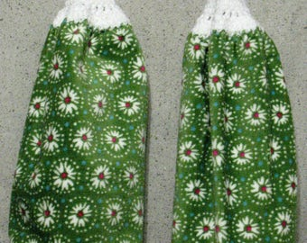 Stylized White Daisies w/Red Centers on Green Hanging Hand Towels Set of 2