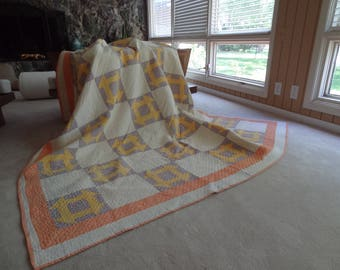 Vintage Prairie Queen Quilt. Handquilted. Outstanding. Floursack Fabric. Collectible.