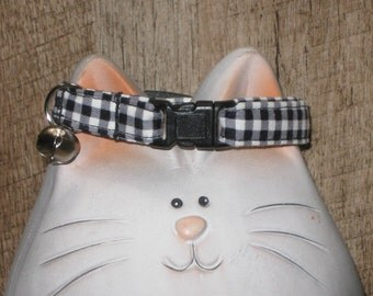 Breakaway Cat Collar, Safety Collar for Cats in Soft and Comfortable Cotton Fabric, Black and White Gingham Check Print, Adjustable Sizes