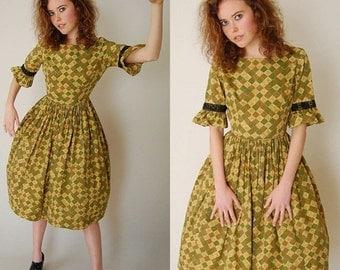 sale 25% off every sunday 50s Dolly Dress Vintage 50s Olive Buttercup Diamond Garden Party Day Dress (xs s)
