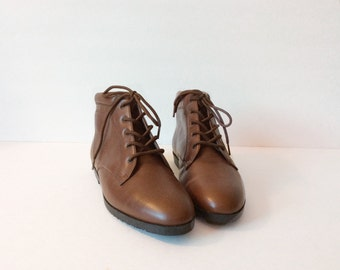 Vintage womens boots // brown leather slouch // Danexx pixie grunge 7-7.5 narrow