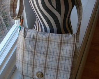 Karens Messenger Bag - Beige Plaid