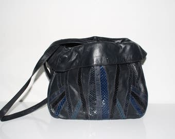 Venetto USA navy shoulder bag