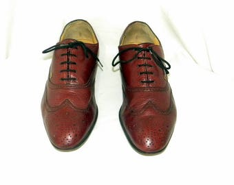 Sz 7 men Vintage maroon leather 1980s flat lace up Italian made shoes by Nazareno Gabreilli.