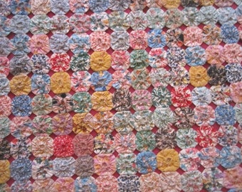 Vintage 1930s Fabulous Colorful Cotton Feedsack Fabric Yo-Yo Quilt Bed Cover