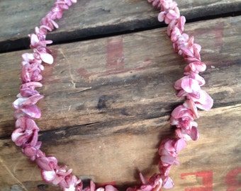 VINTAGE pink shell BEAD NECKLACE - vintage necklace- vintage beads- cool old piece