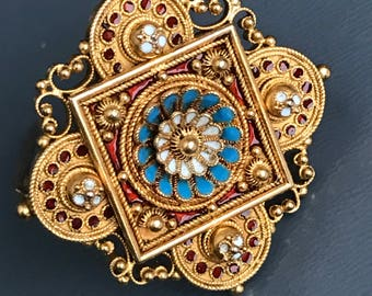 Antique 15kt gold Pin . Brooch . Brooches . Enamel . Victorian Etruscan jewelry