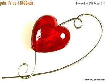 Closing shop Glass Red Heart Shawl Pin, Scarf Pin, Jewelry Brooch - Medium Red Heart Shawl Pin, Scarf Accessory, Gift for Knitters