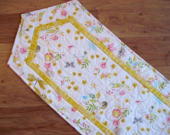 Quilted Table Runner Patchwork Bright Spring Summer flowers  Quiltsy  Handmade