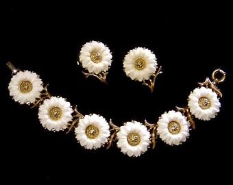 Vintage crown TRIFARI Bracelet & Earrings Set, white Daisy Flower,  Demi Parure