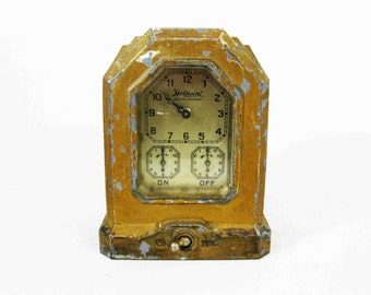Vintage Art Deco Oven Clock Timer by Hotpoint in Brass Finish. Circa 1920's.
