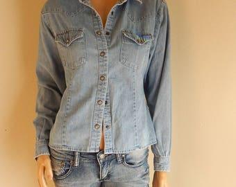 Womens Denim Western Shirt, pearl snap shirt, size large, all cotton