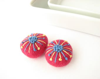 Felted wool beads // ruby //abstract floral ornaments// Embroidery beads, handmade wool beads, felt wool ornament, felt pendant, wool stone