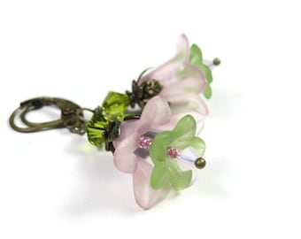 Pink and Green Flower Earrings, Springtime Swarovski Flower Earrings, Floral Earrings, Greenery, Pastel Pale Dogwood, Pink and Green