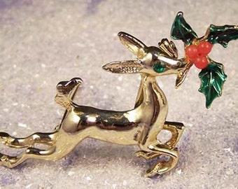 Christmas Reindeer Pin / Rhinestone Reindeer Pin / Vintage Christmas Reindeer Brooch / Rhinestone Reindeer Brooch / Reindeer with Holly