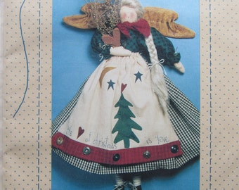 The Heart of Christmas/Craft Sewing Pattern by Country Stitches/1993/15 in Angel/Christmas Decoration/Holiday Decor