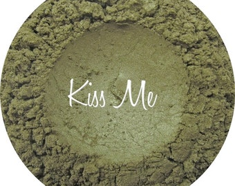 Loose Mineral Eyeshadow-Kiss Me