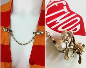 Cute Vintage 50s 60s Pearl and Rhinestone Retro Sweater Clip Clasp