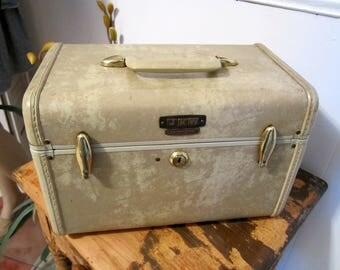 Vintage Train Case, Cosmetic Case, Samsonite Luggage