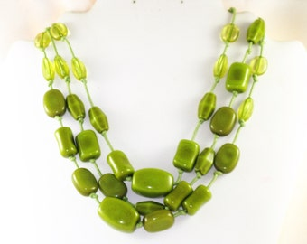 Vintage Green Beaded Lucite Multistrand Necklace (N-2-1)