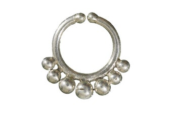 Nalini Silver Fake Septum with Silver Spheres Decoration for Non-Pierced Noses, Faux septum, Clip on septum, Fake piercing, fake septum ring