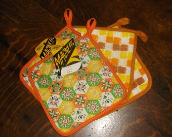 4 unused Vintage Orange tone Potholders • 2 pairs • new and unused