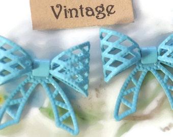 Vintage bows,Enamel bows,Metal bows,Bow Findings, bow Connectors,bow  Embellishments, Bows,Brass Nouveau Blue Enameled 3D 1099GS