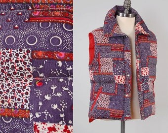 Vintage 70s patchwork BANDANA print vest / 1970s puffy vest / Camping hiking outdoors vest / Vintage indigo bandana print
