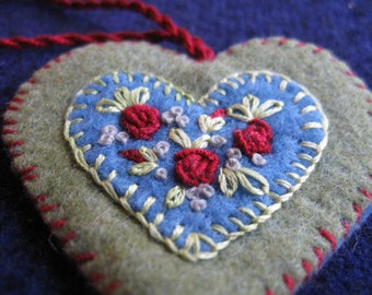 Embroidered floral wool felt heart ornament/pin - sage green blue with red roses