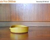 SALE 25% OFF vintage yellow bennington potters dish / vermont pottery / ceramic bowl dish