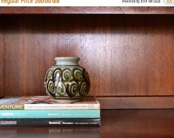 SALE 25% OFF vintage 1980s paul herman pottery vase