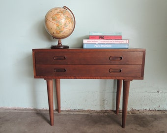 MID CENTURY MODERN End Table or Nightstand (Los Angeles)