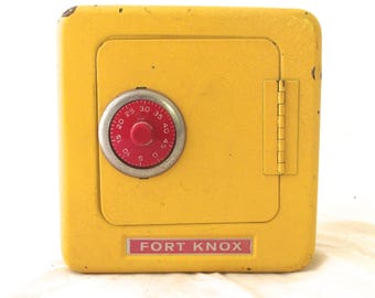 Vintage Fort Knox Safe Style Locking Bank in Yellow (L2)